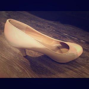 Journee Collection Heels